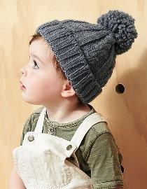 Kindermuts-gebreid-kabelpatroon-grijs-kleine foto